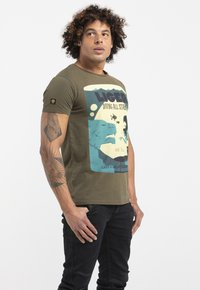 Liger - LIMITED TO 360 PIECES - WILLIAM DALEBOUT - Print T-shirt - green - 3