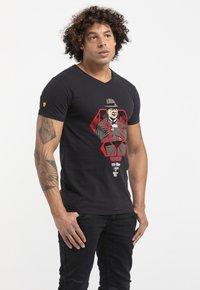 Liger - LIMITED TO 360 PIECES - BUTCHER BILLY - MOBSTER - Print T-shirt - black - 3