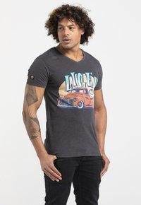 Liger - LIMITED TO 360 PIECES - JASPER ANDRIES - PICK UP - Print T-shirt - dark heather grey melange - 0