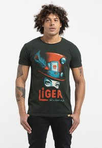 Liger - LIMITED TO 360 PIECES - MR. FEAVER - FREE WORK - Print T-shirt - bottle green - 0