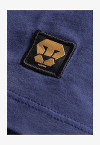 Liger - LIMITED TO 360 PIECES - VINCE RUARUS - BIKE - Print T-shirt - royal blue - 4