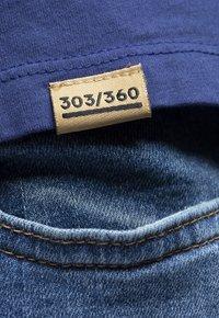 Liger - LIMITED TO 360 PIECES - VINCE RUARUS - BIKE - Print T-shirt - royal blue - 3
