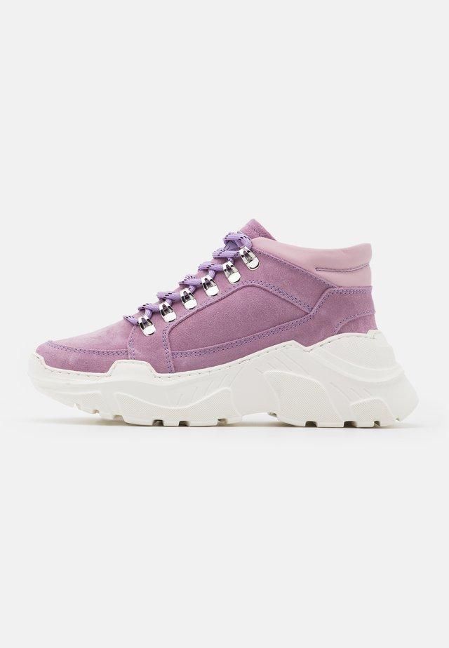TRANCE - Sneakers hoog - purple