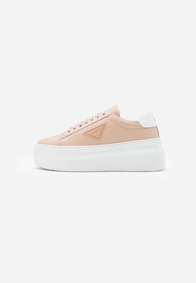 SHINE - Sneakers laag - salmon