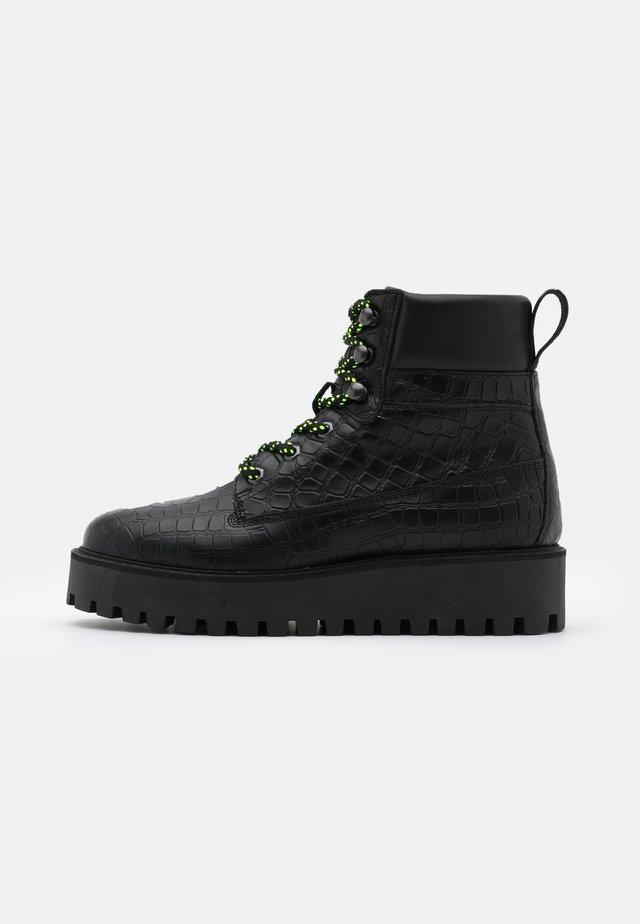 ALASKA - Snowboots  - black