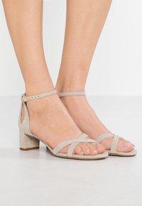 Lauren Ralph Lauren - FOLLY - Sandaalit nilkkaremmillä - alpaca - 0
