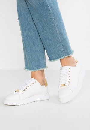 ANGELINE - Sneakers laag - white/gold