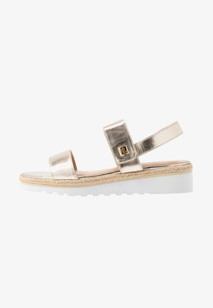 JEWELLE CASUAL - Plateausandalette - platino