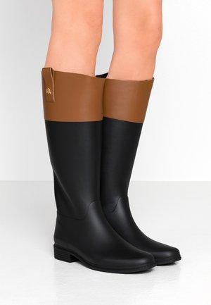 MATTE BARNES - Stivali di gomma - black/tan