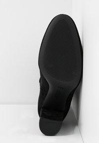 Lauren Ralph Lauren - ARTIZAN - Vysoká obuv - black - 6