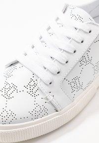 Lauren Ralph Lauren - JOSLIN - Sneakers laag - white - 2