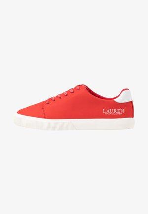 JOANA - Sneakers laag - sporting red/white