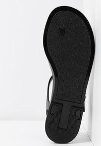 Lauren Ralph Lauren - ASHTYN - Flip Flops - black - 6