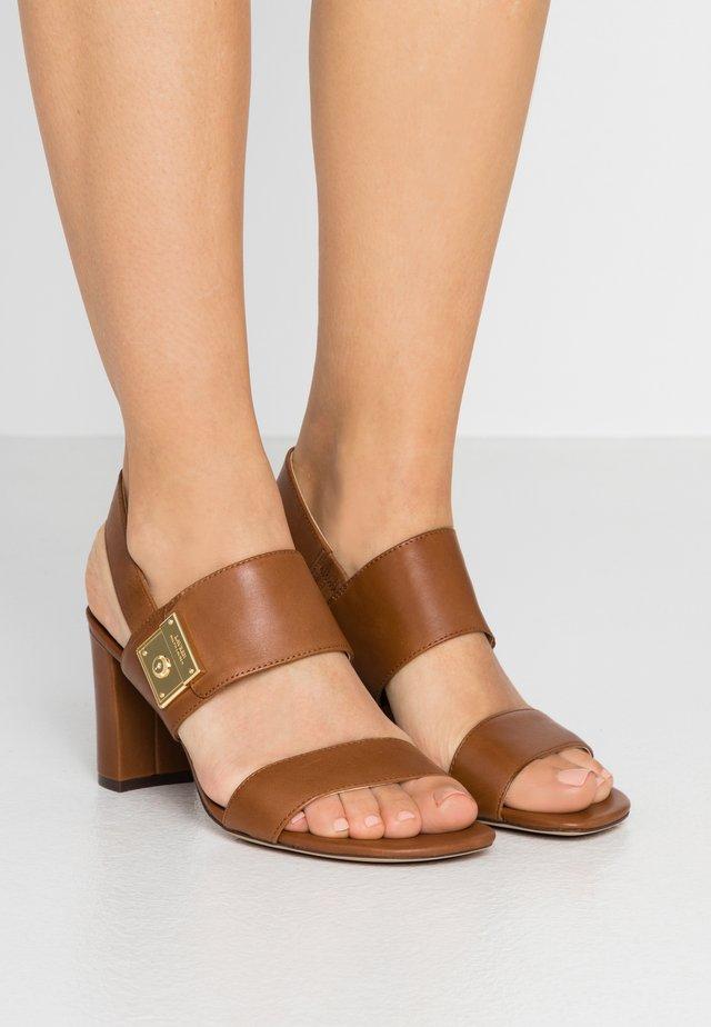 BRAIDAN - Sandaler - deep saddle tan