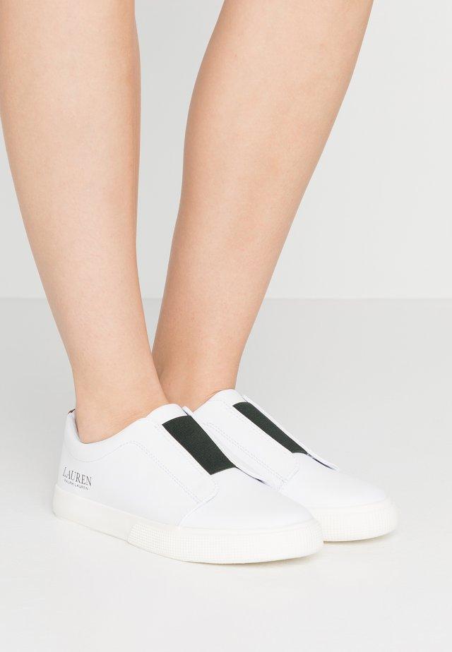 JUDITH - Sneakers - white