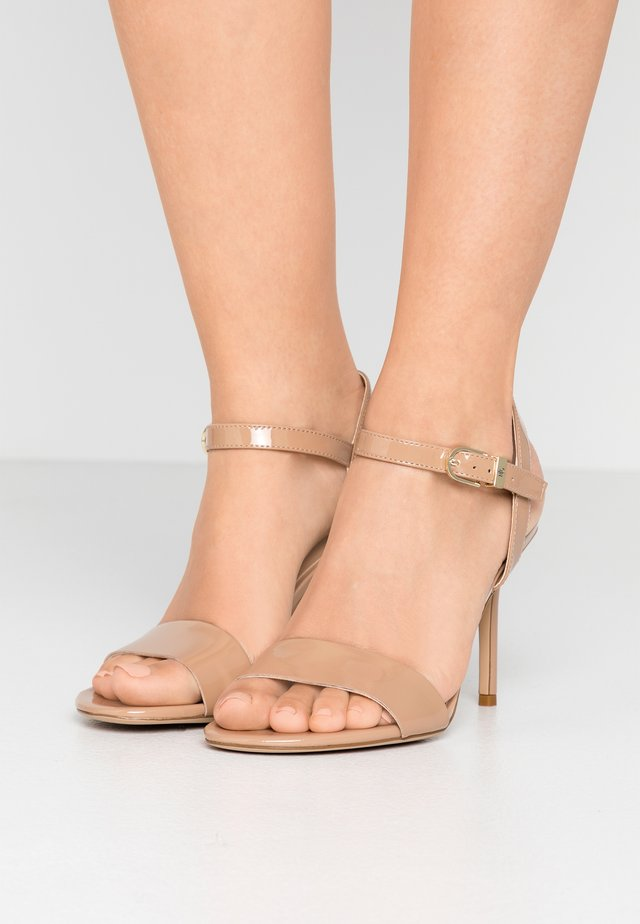 GWEN - Sandaletter - nude