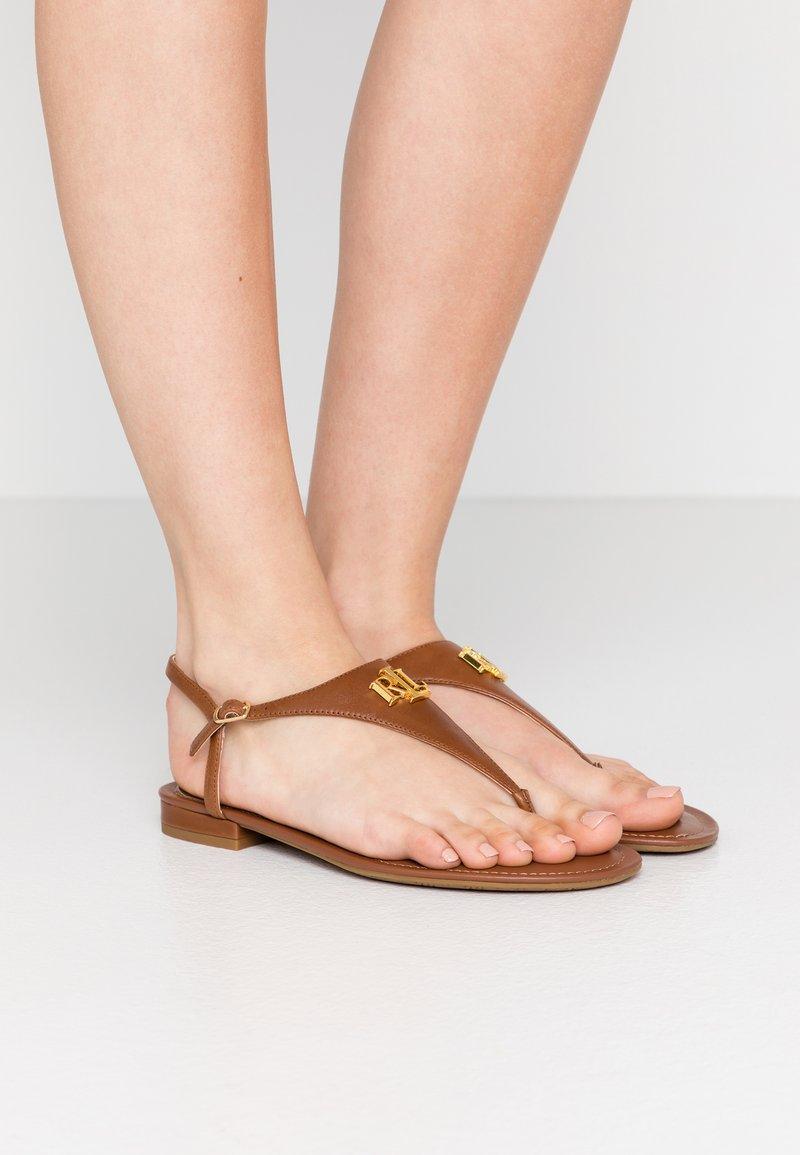 Lauren Ralph Lauren - BURNISHED ELLINGTON - Sandaler m/ tåsplit - deep saddle tan