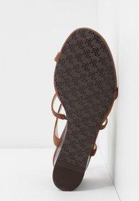 Lauren Ralph Lauren - CHARLTON CASUAL WEDGE - Sandales compensées - deep saddle tan - 6