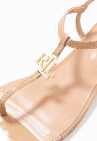 Lauren Ralph Lauren - ELMSTEAD - Sandály s odděleným palcem - nude - 2