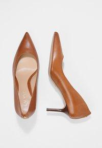 Lauren Ralph Lauren - SUPER SOFT LANETTE - Tacones - deep saddle tan - 3