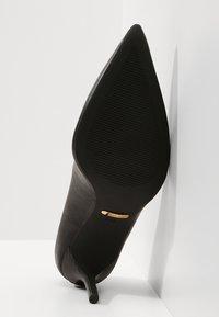 Lauren Ralph Lauren - SUPER SOFT LANETTE - Klassiske pumps - black - 6
