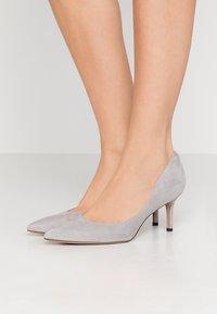 Lauren Ralph Lauren - LANETTE - Klassiske pumps - light grey - 0