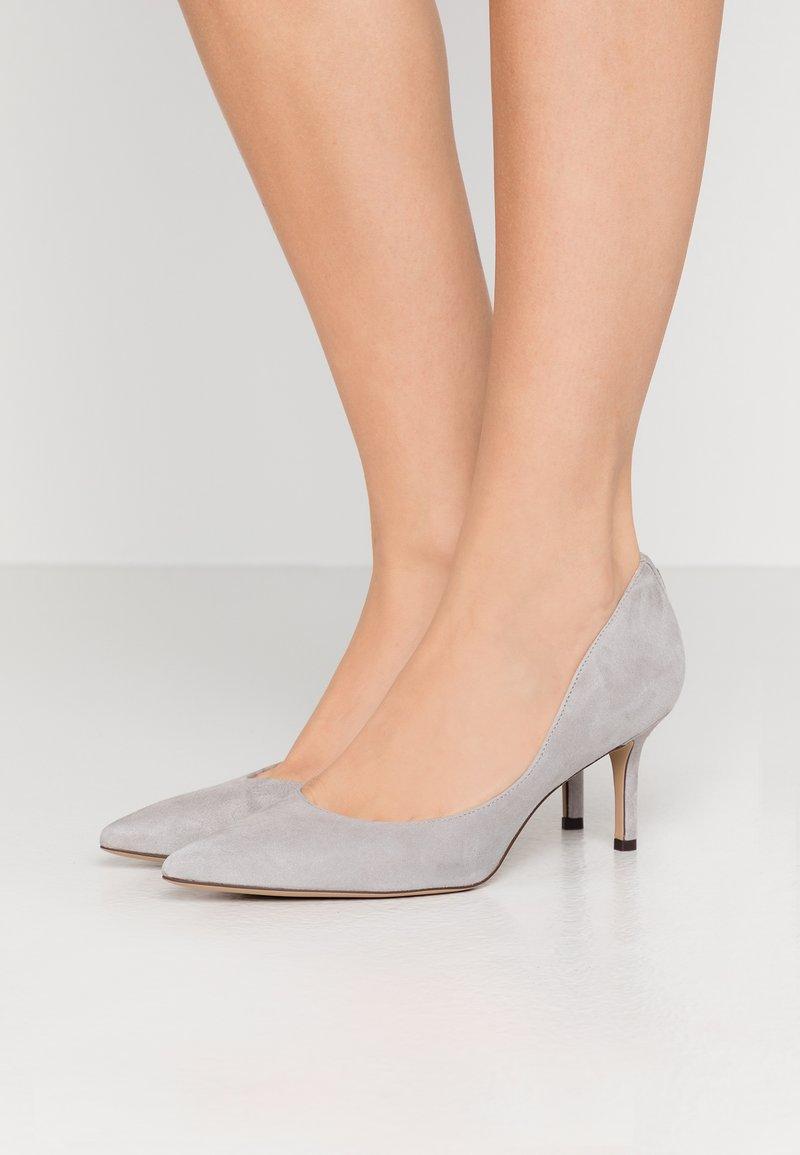 Lauren Ralph Lauren - LANETTE - Classic heels - light grey