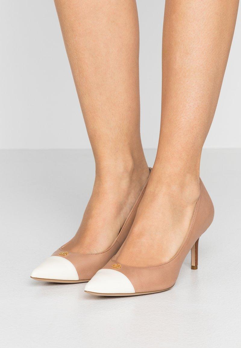 Lauren Ralph Lauren - SUPER SOFT LANETTE - Classic heels - nude/vanilla/deep