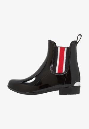 SHINY STRIPE TALLY - Stivali di gomma - black