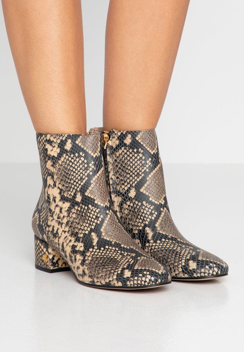 Lauren Ralph Lauren - WELFORD - Classic ankle boots - oatmeal