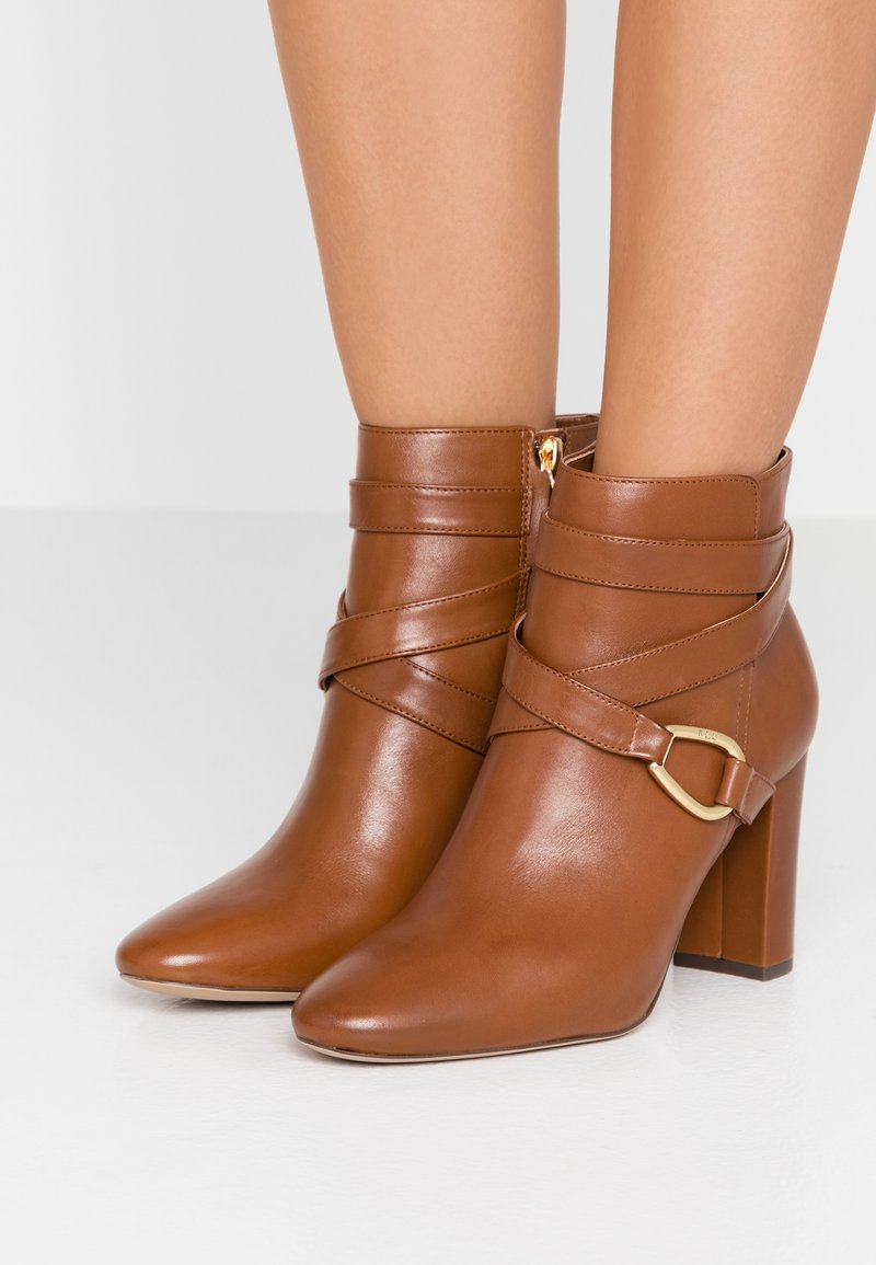 Lauren Ralph Lauren - ADDINGTON - Ankelboots med høye hæler - deep saddle tan