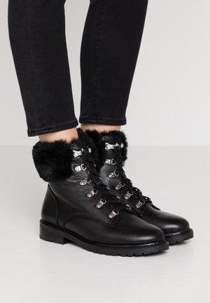 LANESCOT WPF  - Zimní obuv - black