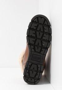 Lauren Ralph Lauren - DABNEY - Šněrovací kotníkové boty - deep saddle tan - 6