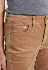 Lauren Ralph Lauren - Pantaloni - classic camel - 5