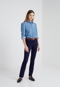 Lauren Ralph Lauren - WASHED PANT - Trousers - navy - 1