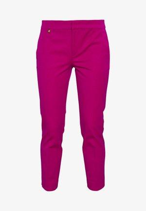LYCETTE PANT - Spodnie materiałowe - bright fuchsia