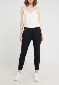 Lauren Ralph Lauren - LYCETTE PANT - Trousers - black - 0