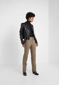 Lauren Ralph Lauren - REFINED SUITING - Pantaloni - brown/tan multi - 1