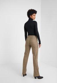 Lauren Ralph Lauren - REFINED SUITING - Pantalones - brown/tan multi - 2