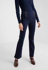 Lauren Ralph Lauren - MODERN PONTE PANT - Trousers - lauren navy - 0
