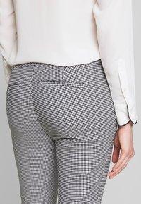 Lauren Ralph Lauren - STRETCH PANT - Kalhoty - black/white - 5
