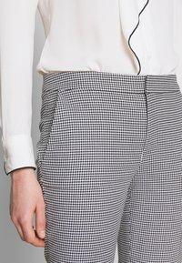 Lauren Ralph Lauren - STRETCH PANT - Kalhoty - black/white - 3