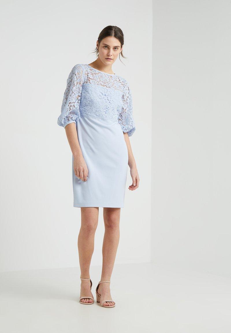 Lauren Ralph Lauren - CLAIRE - Etuikjoler - whisper blue