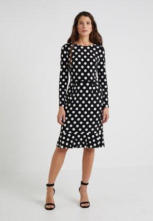 VITAL DOT HENNIE - Jersey dress - black/colonial