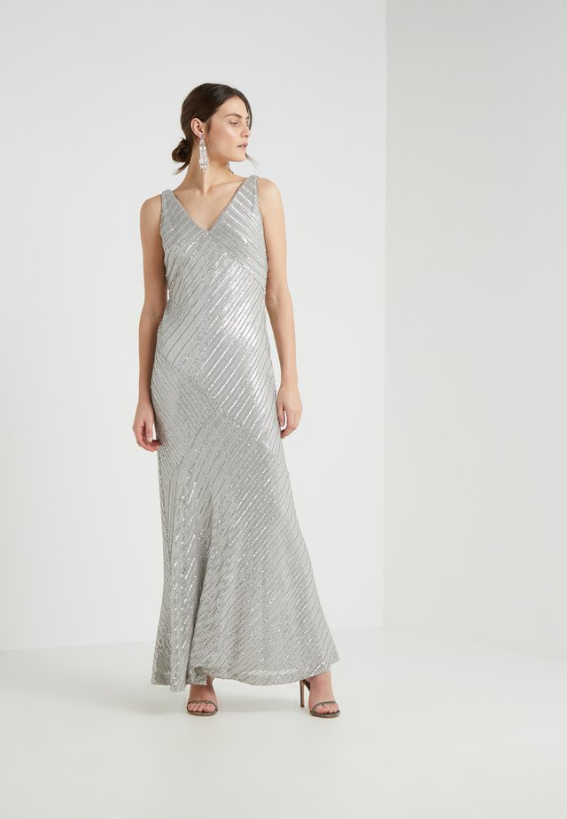 KENDALYN SLEEVELESS EVENING DRESS - Galajurk - grey pearl