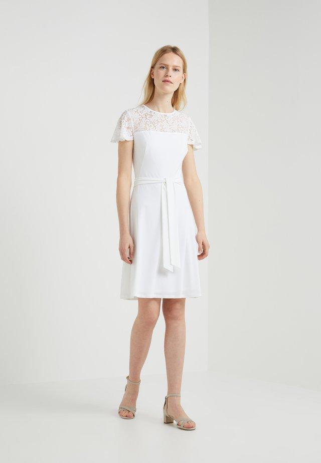 ALLIE SHORT SLEEVE DAY DRESS - Jerseyjurk -  white