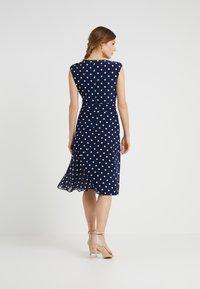 Lauren Ralph Lauren - JORI CAP SLEEVE DAY DRESS - Jersey dress - lighthouse navy/colonial cream - 2