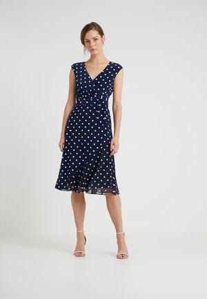 JORI CAP SLEEVE DAY DRESS - Jersey dress - lighthouse navy/colonial cream