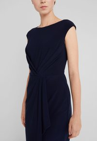 Lauren Ralph Lauren - MATTE SVET - Robe fourreau - lighthouse navy - 4
