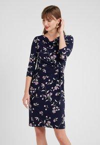 Lauren Ralph Lauren - FLING TRAVA - Pouzdrové šaty - navy/purple - 0